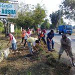 Peduli Terhadap Lingkungan, Masyarakat Desa Lenggerong Lakukan Kerja Bakti